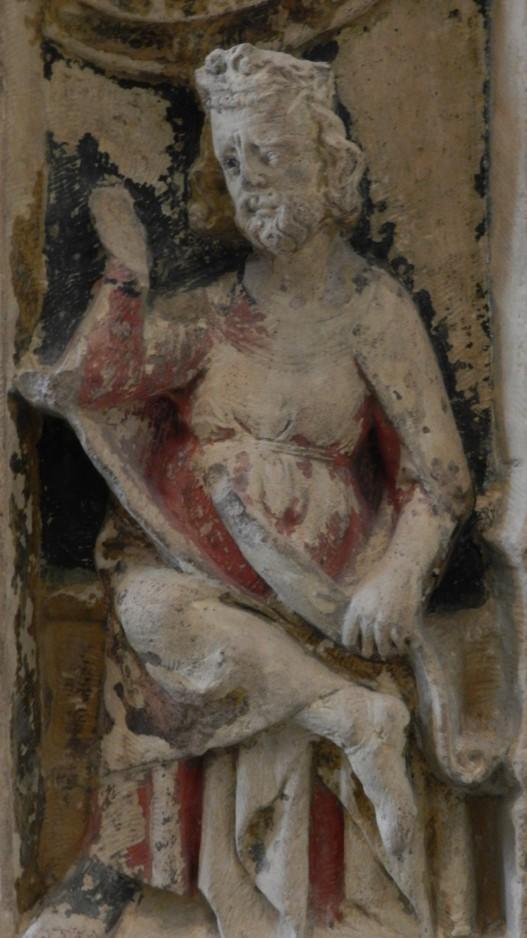 104 vierge a lenfant - nevers - face droite du trone