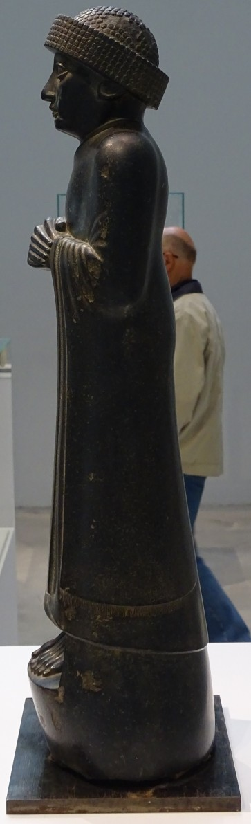 3 - gudea - profil droit