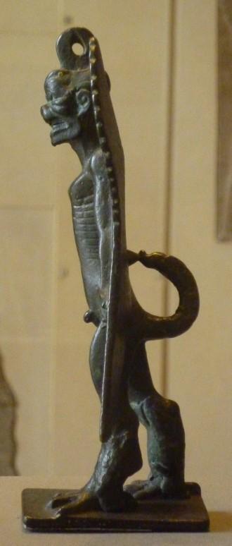37 pazuzu - assyrie - profil droit